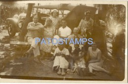 7556 AUTOMOBILE OLD CAR SEDAN AND FAMILY REAL PHOTO  POSTAL POSTCARD - Cartoline