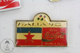 Italia 1990 FIFA World Cup - Flag Of Yugoslavia  - Coca Cola Advertising - Pin Badge #PLS - Coca-Cola
