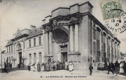 CARTE POSTALE ORIGINALE ANCIENNE : LA ROCHELLE ; LE MARCHE AUX POISSONS ; ANIMEE ; CHARENTE MARITIME (17) - La Rochelle