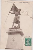 (R)LOIRET,JARGEAU , Statue De Jeanne D'Arc - Jargeau