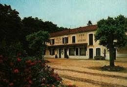 CPSM  (51)   MONT-de-BILLY  (LES PETITES-LOGES)  Auberge De La Voûte, Restaurant - Frankrijk