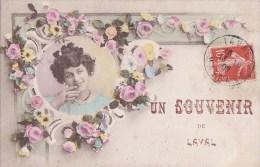 53 LAVAL  Belle CPA Fantaisie SOUVENIR D' Une  Jolie FEMME En Médaillon Parmi Les FLEURS Timbré 1909 - Laval