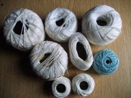 Occasion Ancien - Petit Lot De Bobines (restes) De Coton Perlé Et Fil Décoration - Cross Stitch