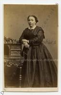 CDV P. Weynen & Fils Photographes, Maestricht.  Portrait D'une élégante Accoudée. Tirage A - Photos