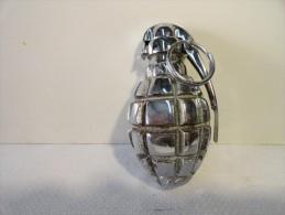 grenade DF15 chrom�e  totalement inerte pour d�coration