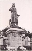 30. Pf. AIGUES-MORTES. Statue De St-Louis Par Pradier - Aigues-Mortes