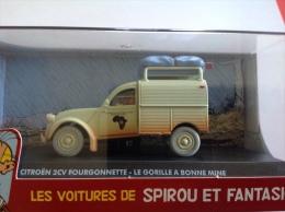 VOITURE SPIROU ET FANTASIO - 2 CV FOURGONNETTE - LE GORILLE A BONNE MINE - Figurines