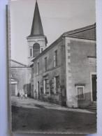 85 - PISSOTTE - L'EGLISE ET LA MAIRIE - ANIMEE - Frankreich