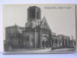 85 - VOUVANT - L'EGLISE - PORTAIL ET ABSIDE DU XIIe SIECLE - France