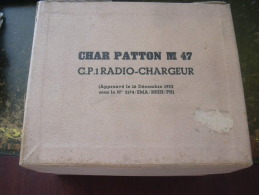 COFFRET CONTENANT LES FICHES D INSTRUCTION POUR LE CP1 RADIO CHARGEUR SUR CHAR PATTON M 47 - Livres, Revues & Catalogues
