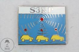 S3RP - Radio Car -  Pin Badge #PLS - Medios De Comunicación