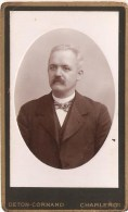 Foto Op Hard Karton Photo Portret Man Deton-Cornand Charleroi ( 6,5 X 10,5 Cm) - Alte (vor 1900)