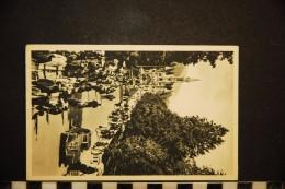 CP, 65, LOURDES La Basilique Et L'esplanade  N°17 Edition PD Automobile - Lourdes