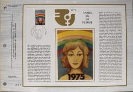 FEUILLET C.E.F 1er JOUR 1975 N° 325 S - Année De La Femme - Paris Le 08.11.1975 - Tirage Sur Soie Numéroté - - Documentos Del Correo