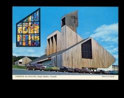 GASPE Gaspésie Quebec Canada : La Cathédrale Du Christ Roi / Oldtimer American Cars Voiture Américaine Auto - Gaspé