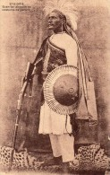 ETHIOPIE    Guerrier Abyssin En Costume De Parade - Ethiopie