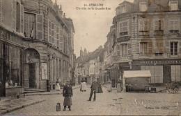 89 AVALLON Un Coin De La Grande Rue - Avallon