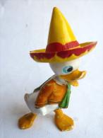 TRES TRES RARE FIGURINE  JIM WALT DISNEY NEVEU DE DONALD EN MEXICAIN CHAPEAU JAUNE LES TROIS CABALLEROS - Disney