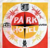 ANCIENNE ETIQUETTE PARK HOTEL  LEIPZIG ALLEMAGNE VINTAGE LABEL LUGGAGE HOTELS - Etiquettes D'hotels