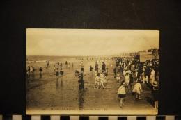CP, 59, MALO Les BAINS A L'heure Du Bain N° 164 Ecrite En 1931 - Malo Les Bains