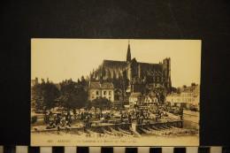 CP, 80, AMIENS La Cathédrale Et Le Marché Sur L'eau N° 162 Ecrite - Amiens