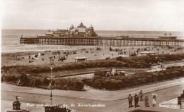 Postcard - St. Anne´s-On-Sea Pier & Promenade, Lancashire. 206853 - Otros