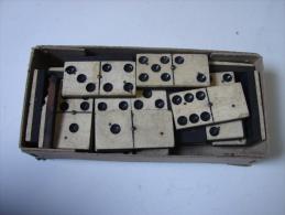 AF. Lot. 458. Trés Vieux Jeu De Domino. 24 Pièces - Gesellschaftsspiele