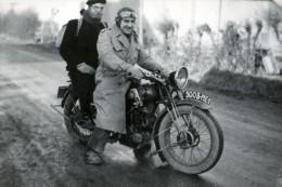 PEUGEOT 250 Type P108 Motocyclette Sur La Route France Ancienne Photo Amateur 1930 - Antiche (ante 1900)