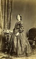 Royaume Uni Wisbech Femme Mode Victorienne Ancienne CDV Photo Johnson 1865 - Photos