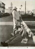Harold Lloyd Lying In Street Magazine Old Photo 1920's - Photographs