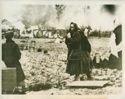 WWII Russia Civilians Homes Blaze Winter WW2 Photo 1941 - War, Military