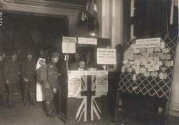 British Tommies Leave Club Hotel Moderne Paris Première Guerre Mondiale Photographie Rol 1918 - Guerre, Militaire