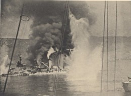 WWII Bataille Navale Anglo-Française De Mers El Kébir Le Bretagne Est Touché Photo Juillet 1940 - Guerre, Militaire