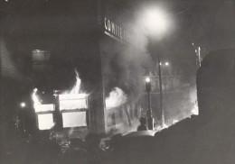 Manifestation Anti Communiste Incendie Paris France Ancienne Photo 1956 - Photographs