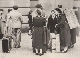WWII Prague Gare Wilson Départ Des Etrangers Ancienne Photo 1938 - War, Military
