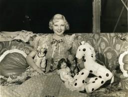 Una Merkel Avec Les Jouets De Jean Parker MGM Photo 1932 - Famous People