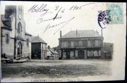 58 LAROCHEMILLAY PLACE DE L'EGLISE - France