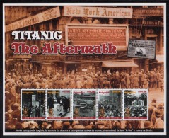 Madagascar MNH Scott #1384 Sheet Of 5 Different Scenes From The Aftermath Of The Sinking Of The ´Titanic´ - Madagascar (1960-...)