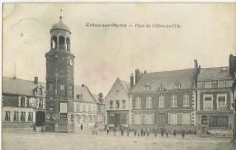 Cr�cy sur Serre - Place de l'H�tel de Ville