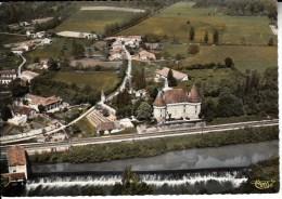 2389 DOUZILLAC   Vue Aérienne  Château De Mauriac Et Les Bords De L´isle   Dordogne - France
