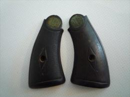plaquettes pistolet ancien a identifier