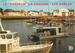 Belle  CPSM  -  Les  Sables D ´Olonne  -  Le Passeur ,    La Chaume ,les Sables       ,animée            L131 - Sables D'Olonne