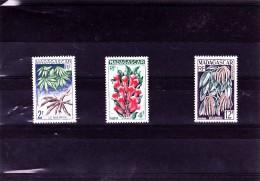 MADAGASCAR : Produits Agricoles :  Y&T :** : 332 à 334 - Ongebruikt