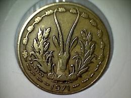 Afrique De L´Ouest 10 Francs 1971 - Monnaies