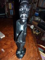 SCULPTURE EBENE HOMME - Afrikanische Kunst