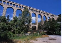 Dans La Campagne Aixoise L'Aqueduc De Roquefavour - N°30/32 éd Bandol - Other Municipalities