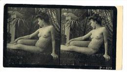NUS FEMININS - NUDED - PHOTO STEREOSCOPIQUE  - Beauté Féminine D´Autrefois - Début Années 1900 -  P.673 - Photos Stéréoscopiques