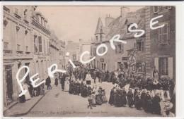 29  Roscoff   Procession De Sainte Barbe  Rue De L'eglise - Roscoff