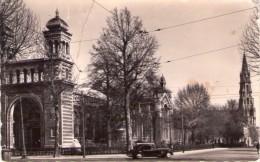 CPSM:  LILLE Dpt.59):  Palais Rameau Et L'église Du Sacré Coeur.(Vieille Traction).        (A 266) - Lille