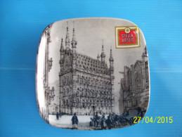 Vide - Poches STELLA  ARTOIS . Hôtel De Ville De Bruxelles . - Autres Collections